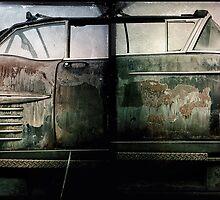Rusty car by Jean-François Dupuis