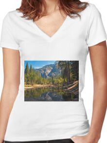 Yosemite Valley Women's Fitted V-Neck T-Shirt