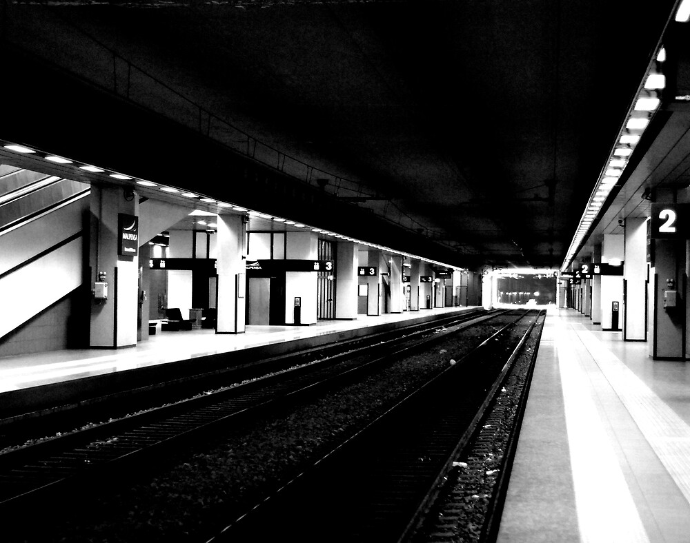 Empty by Lucas Himovitz