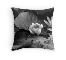 Water Lilly Throw Pillow