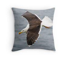 Sea cliff predator Throw Pillow