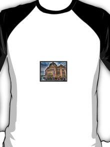 Grand old Flinders Street Railway Station T-Shirt