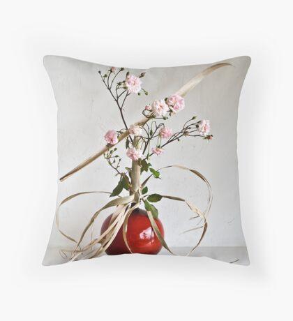 Ikebana-134 Throw Pillow