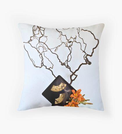Ikebana-131 Throw Pillow