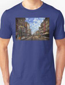 City - NY - Main Street. Poughkeepsie, NY - 1906 T-Shirt