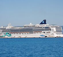Norwegian Jade liner, Corfu by David Fowler