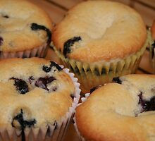 Blueberry Muffins by kkphoto1