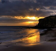 Tynemouth Sunrise by wilka