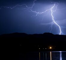 Lightning over the lake 08.05.09 by Bo Insogna