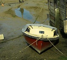 Boat on River Medway by Dawn OConnor
