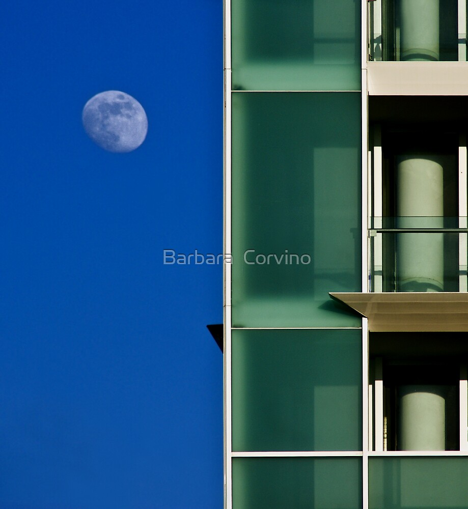 The moon and the building by Barbara  Corvino