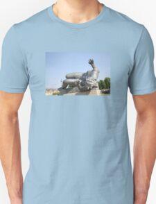SCULPTURE IN THE JARDIN desTUILERIES, PARIS Unisex T-Shirt