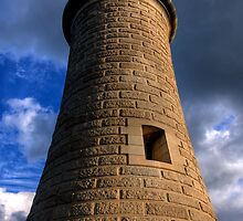 Tynemouth Lighthouse by wilka