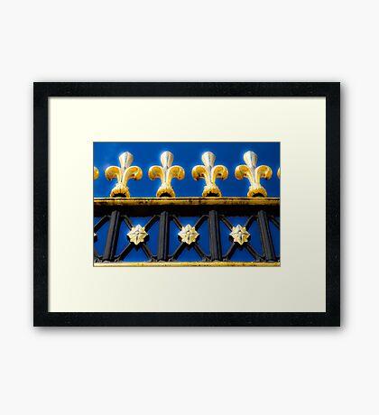 Golden Glow - Buckingham Palace - London Framed Print