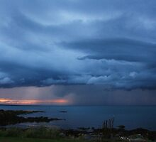 Storm rolling in by Martina Fagan