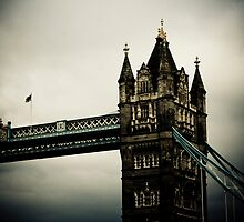 London Bridge by AriseShine