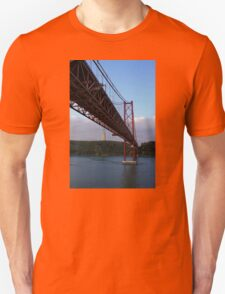 25 De Abril Bridge Unisex T-Shirt