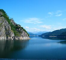 Vidraru Lake by costy33