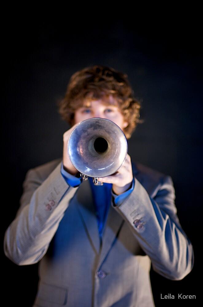 Trumpeting by Leila  Koren