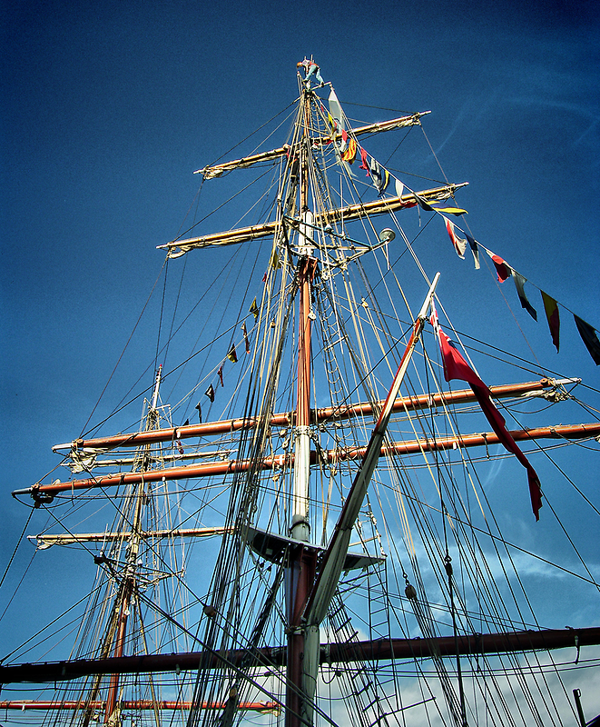 Tall Ships (5) ... Look Mummy No Hands! by SNAPPYDAVE