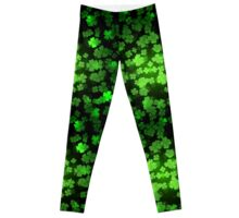 St Patricks day green background Leggings
