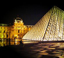 Le Louvre by Eyal Geiger