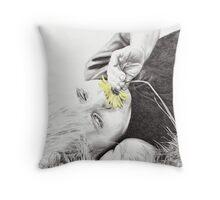 Summer Daisy Throw Pillow