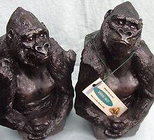 Gorilla book ends by Alex Gardiner. by Alex Gardiner