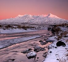 Mt Ruapehu, Sunrise. by Michael Treloar