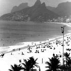Ipanema Beach by Guilherme Pontes