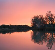 River Murray Sunset by Leanne Davis