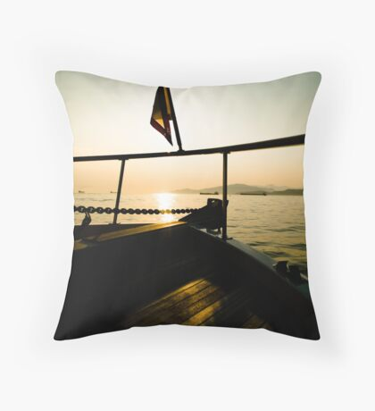 bow before me Throw Pillow