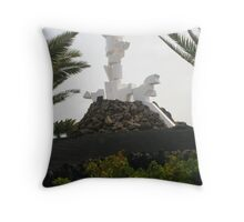 El Monumento al Campesino Throw Pillow