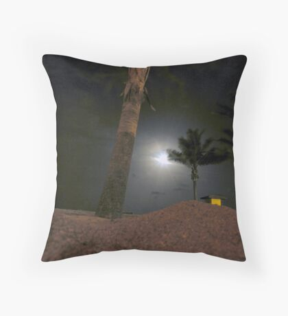 moonlit dune Throw Pillow