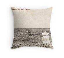 A la plage... Throw Pillow
