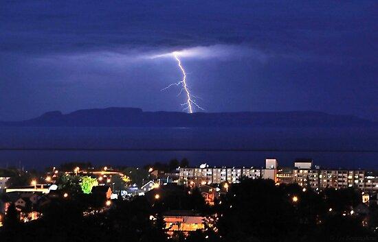 Thunder Bay by Ian Benninghaus