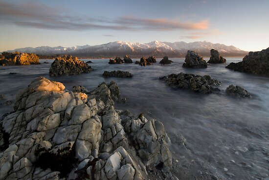 Kaikoura Sunrise. by Michael Treloar