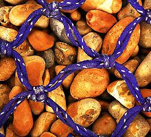 Knots and Pebbles. by Billlee