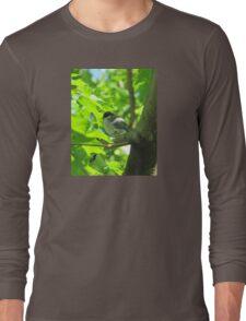 Cute baby bird on branch Long Sleeve T-Shirt