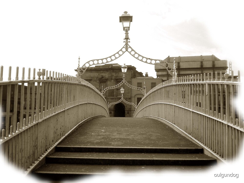 The Ha'penny Bridge..in the rare oul times! by oulgundog