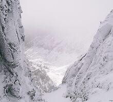 Tatras mountain valley by TapSnaps