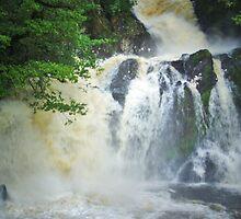 Chia Aig Falls by WatscapePhoto