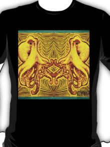 Psychedelic Octopus Optical Illusion Design T-Shirt