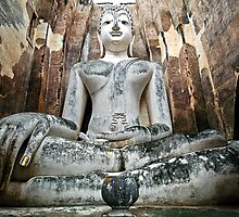 Giant Buddha by Dave Lloyd