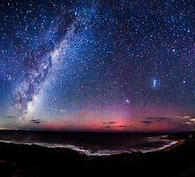 Bells Beach Aurora Australis by Russell Charters