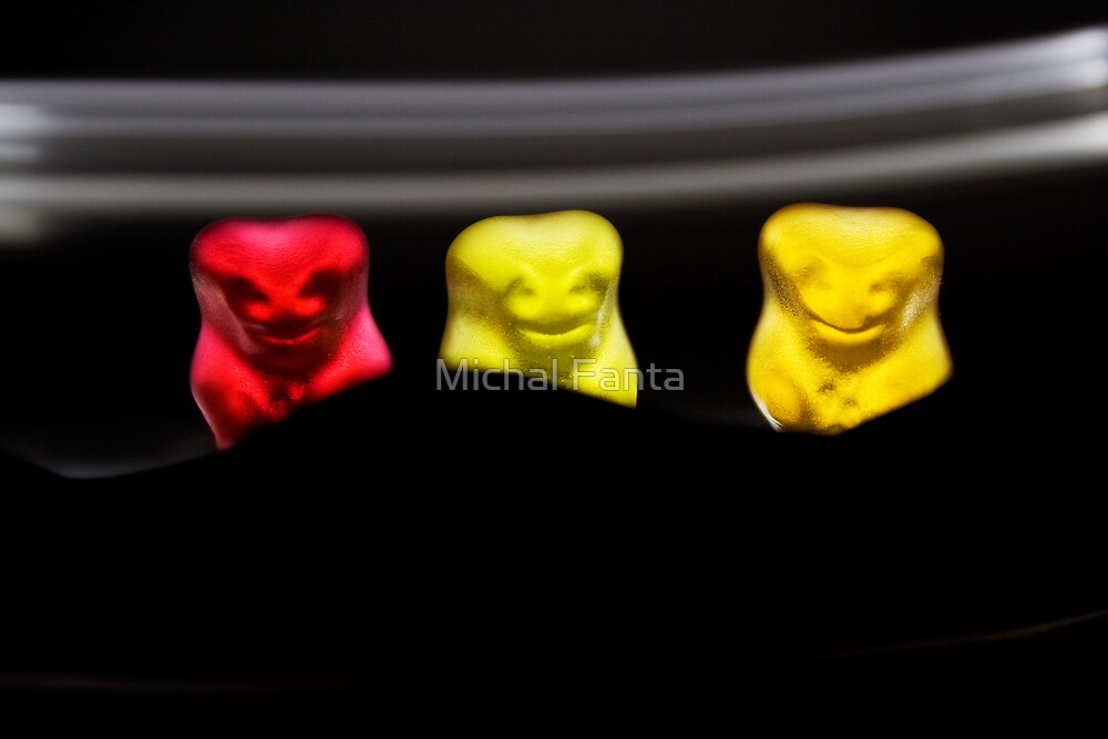 Gummy Bear Photography - The Audience by michalfanta