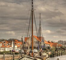 'Home is where the anchor drops' by Thea 65