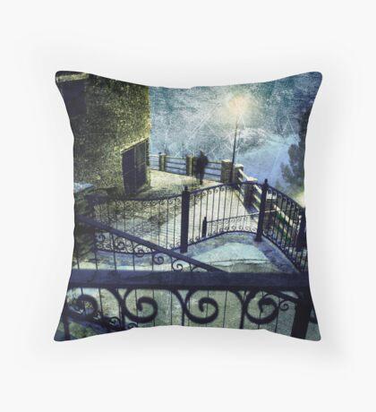 Imaginary storms Throw Pillow