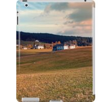 Meadows and farms in rural scenery | landscape photography iPad Case/Skin