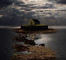Eglwys yn y Mor by Raymond Kerr